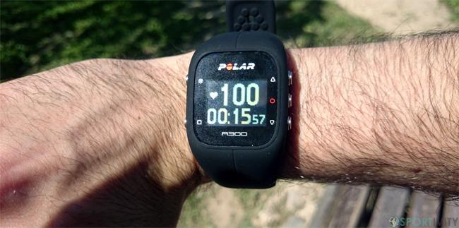 Tracker Fitness affichant la fréquence cardiaque