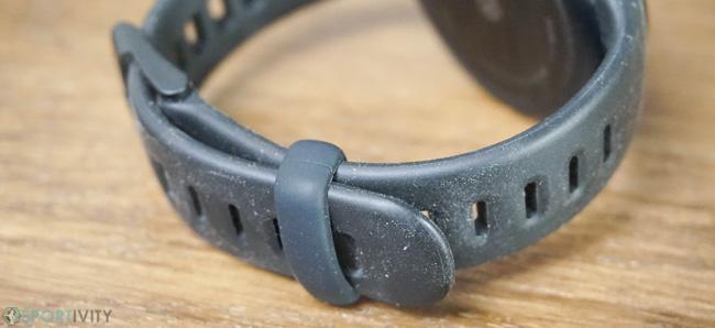 Bracelet qui attire la poussière